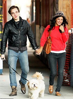 ed westwick and jessica szohr relationship test