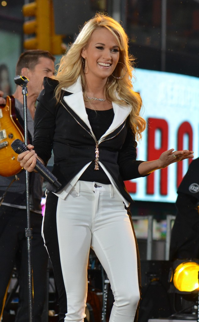 Carrie_Underwood_2012