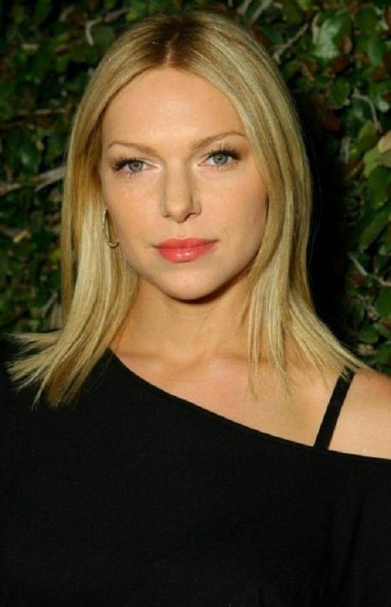 Laura-Prepon-Short-Hairstyle