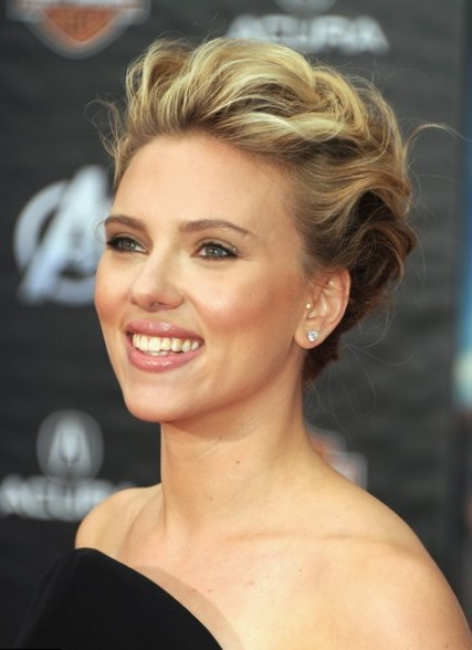 Celebrity Scarlett Johansson Hair Changes Photos Video
