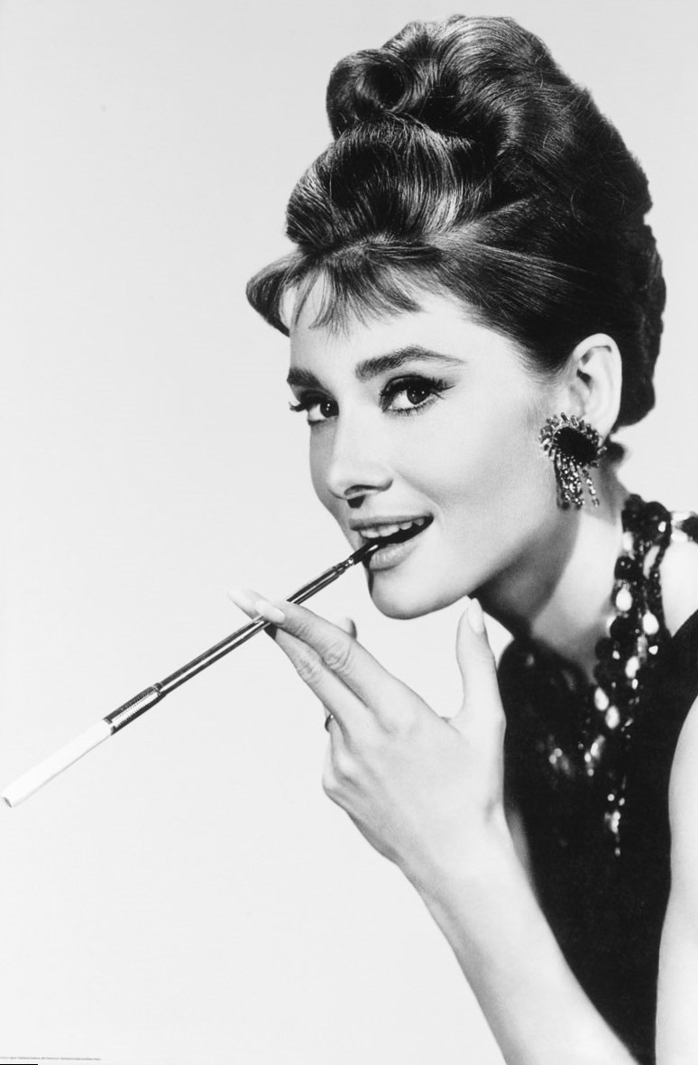 Audrey Hepburn 39 S Looks And Fashion Photos