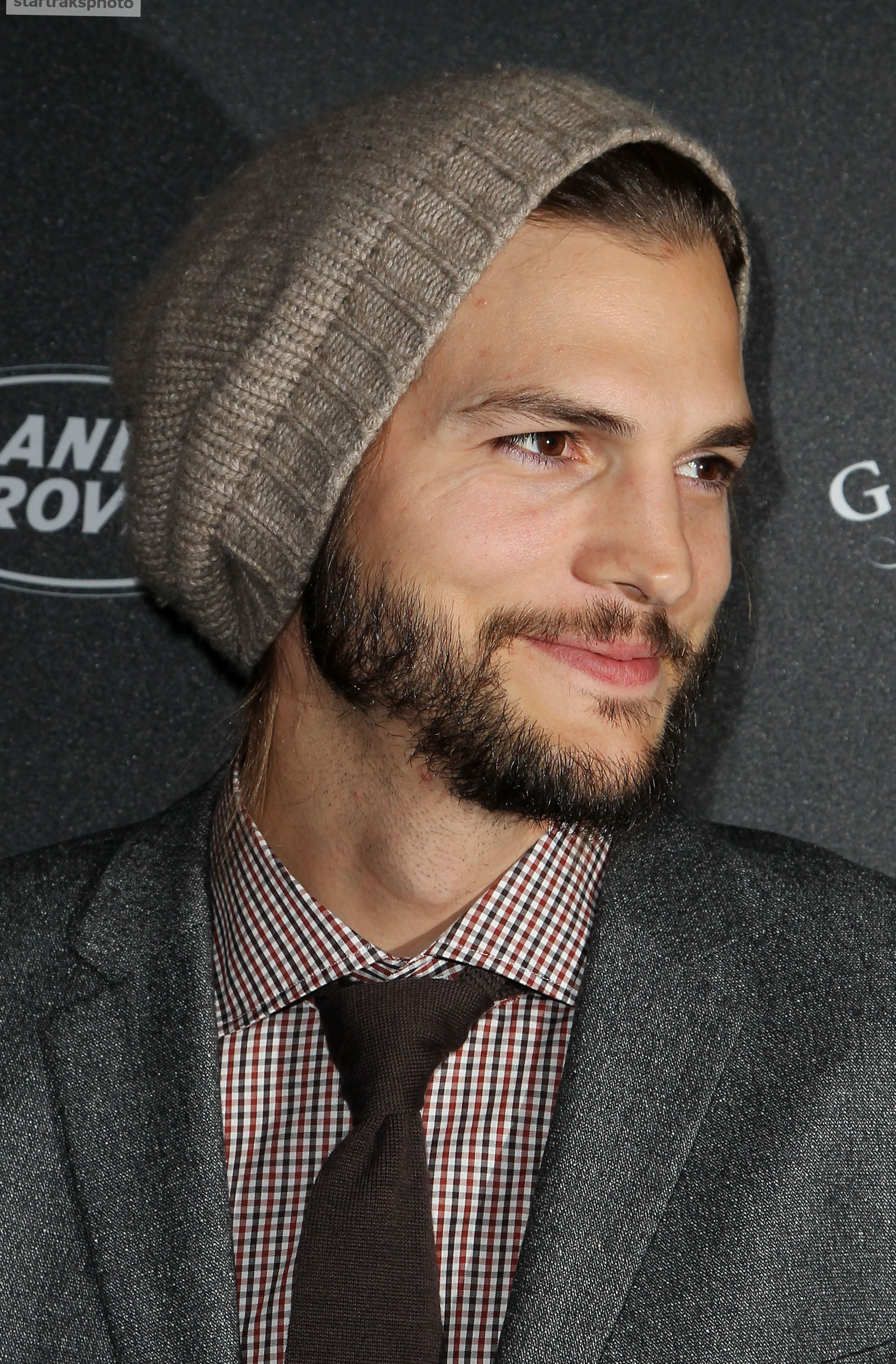 Celebrity Ashton Kutcher - Weight, Height and Age Ashton Kutcher