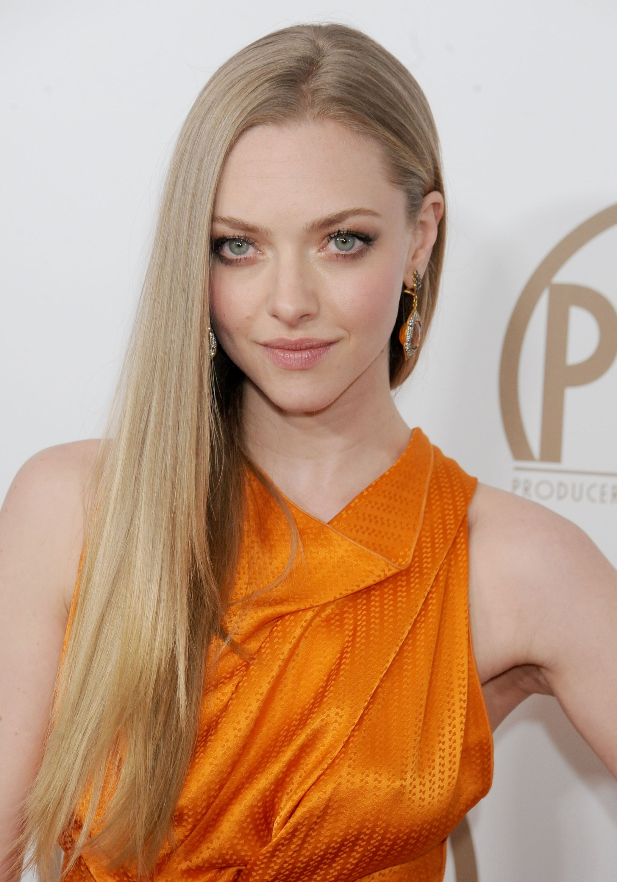 Amanda Seyfried Best Looks Photos