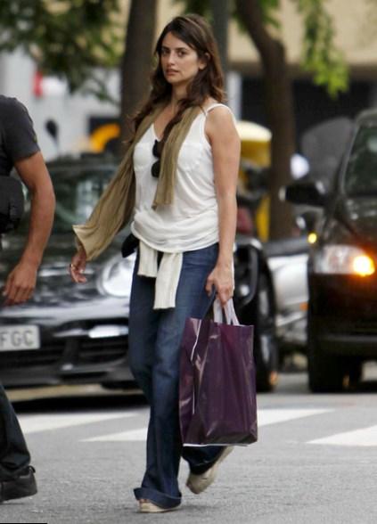 Penelope Cruz style & looks