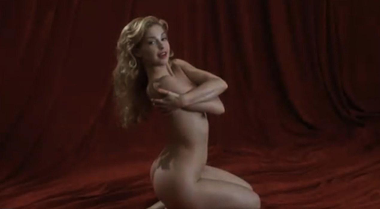 naked hot awsome at school