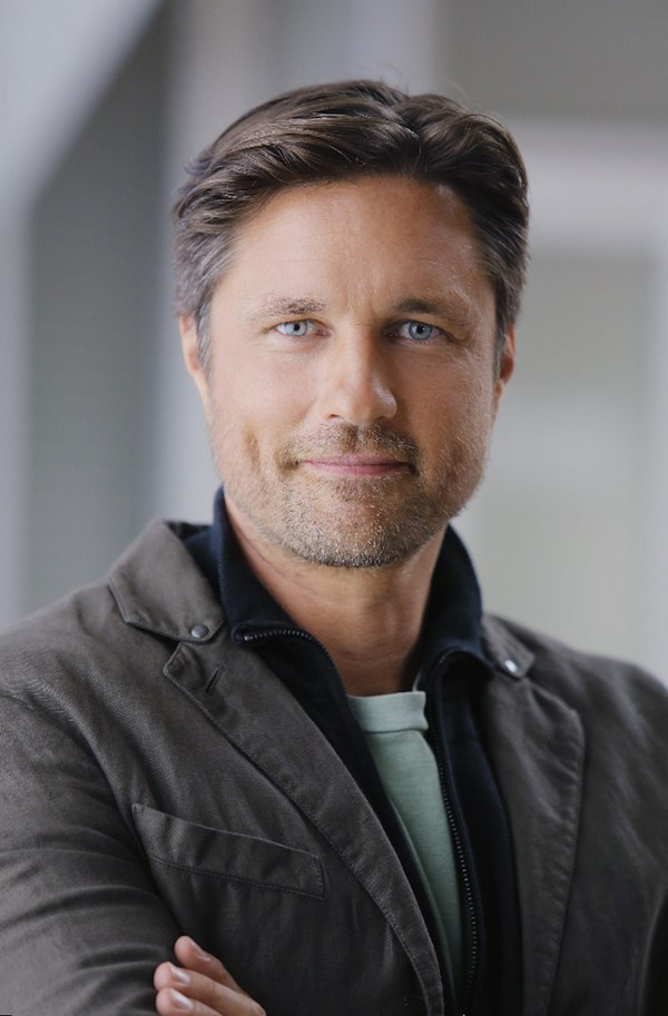 Martin Henderson Best Movies and TV shows