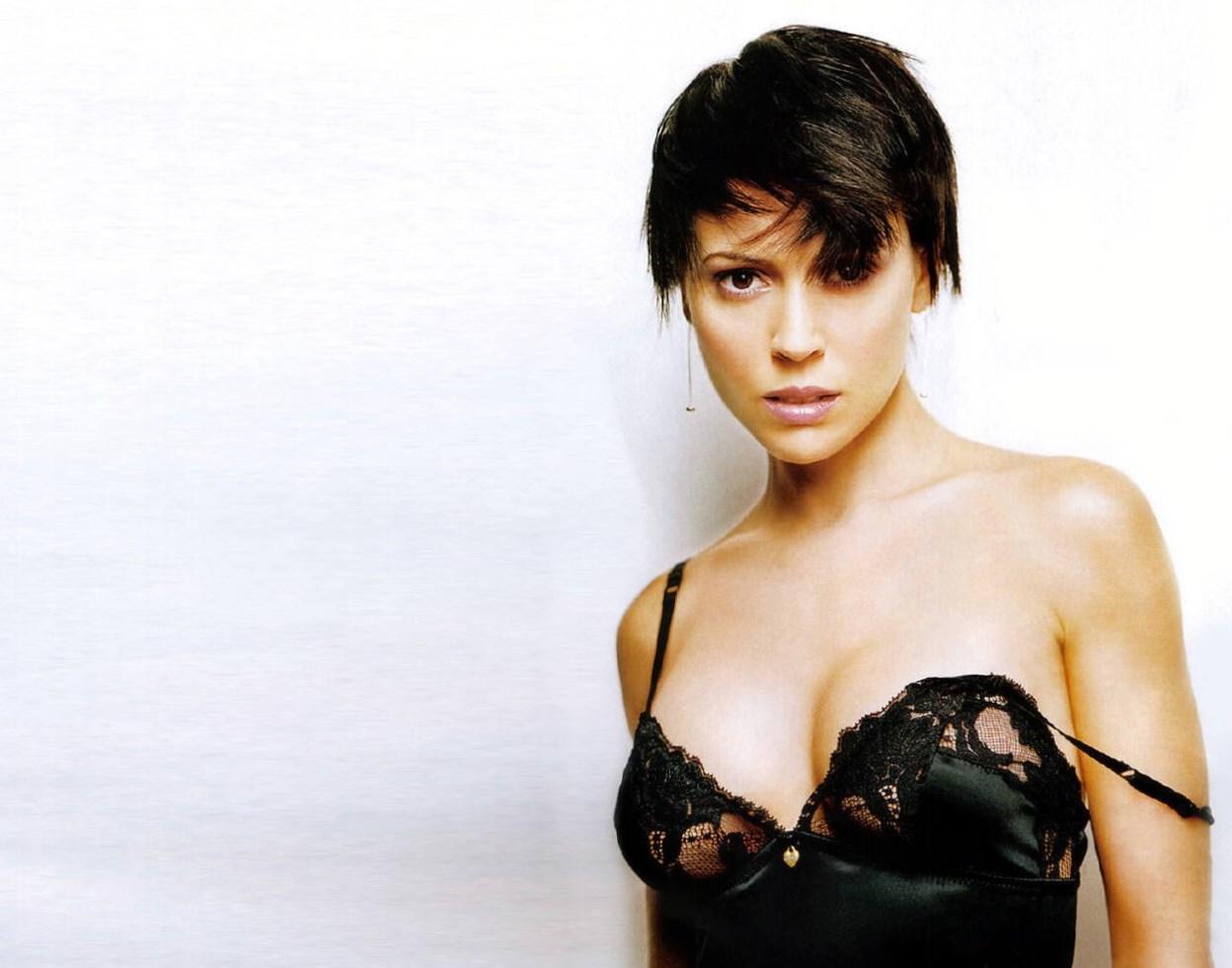 Alyssa Milano - Height, Weight, Age