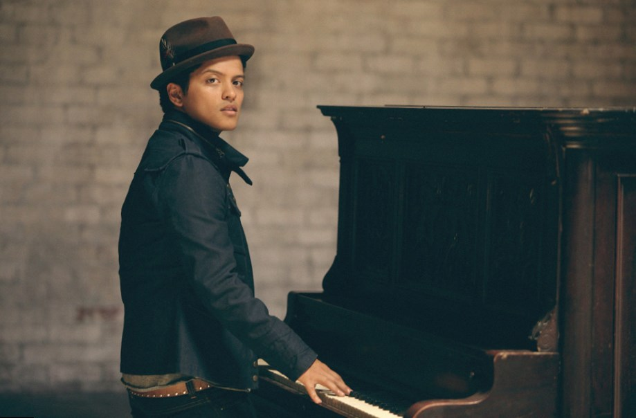 Bruno Mars - Height, Weight, Age