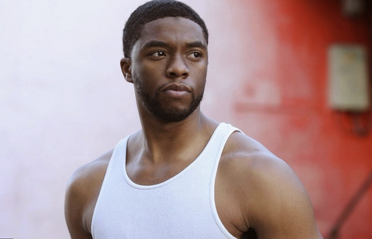 Chadwick Boseman weight, height and age. We know it all!