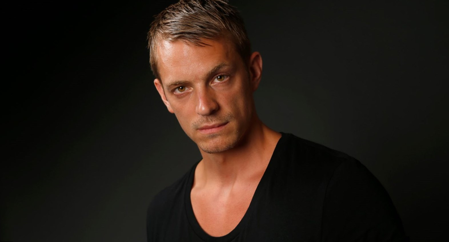 Joel Kinnaman - Height, Weight, Age