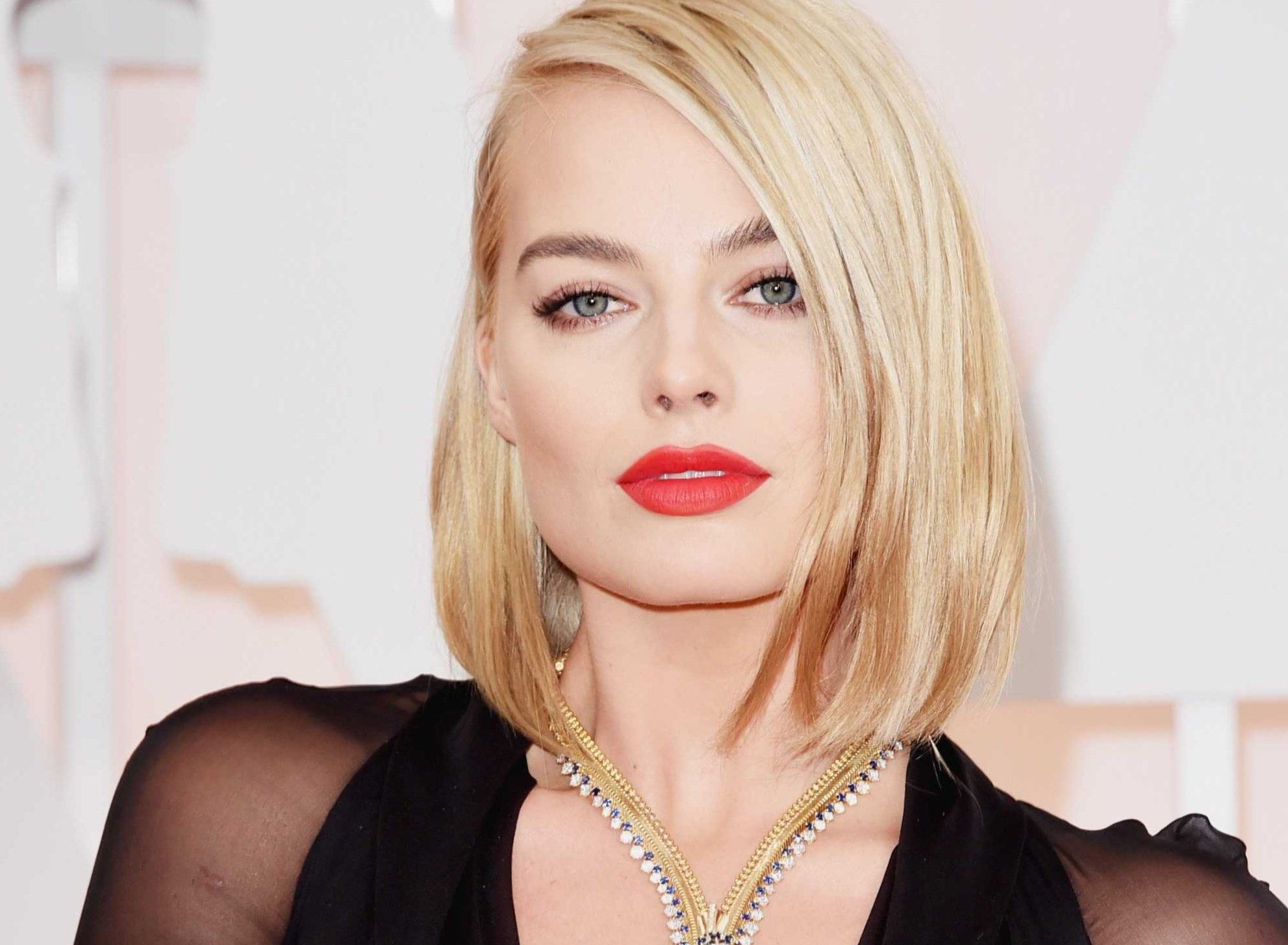 Margot Robbie Height, Weight, Age
