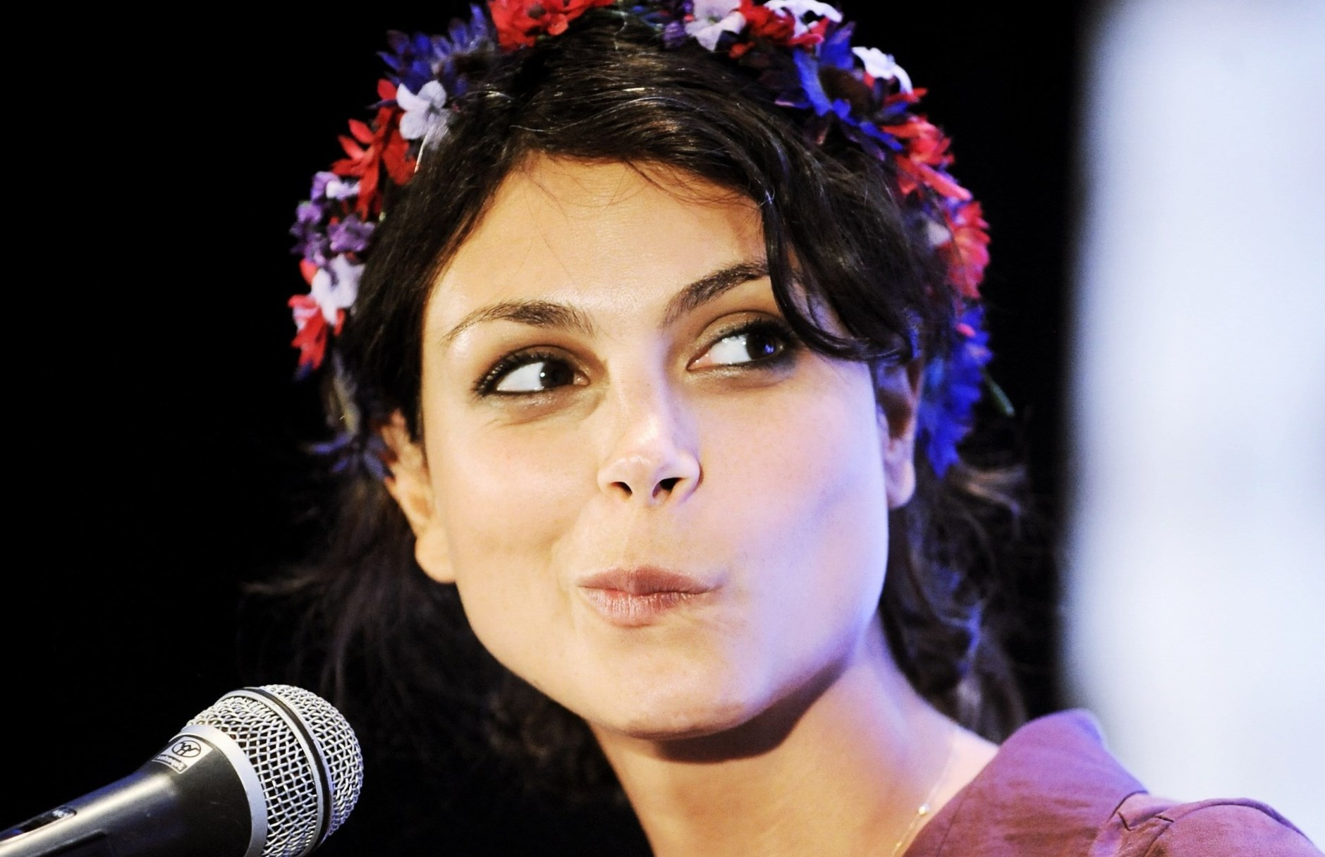Morena Baccarin Weight, Height And Age. We Know It All