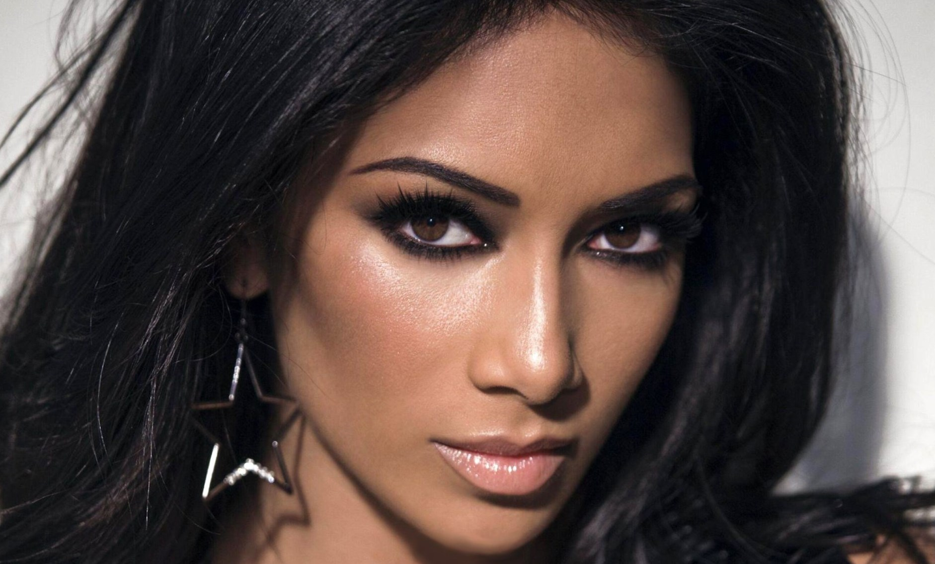 Nikole Sherzinger - Height, Weight, Age