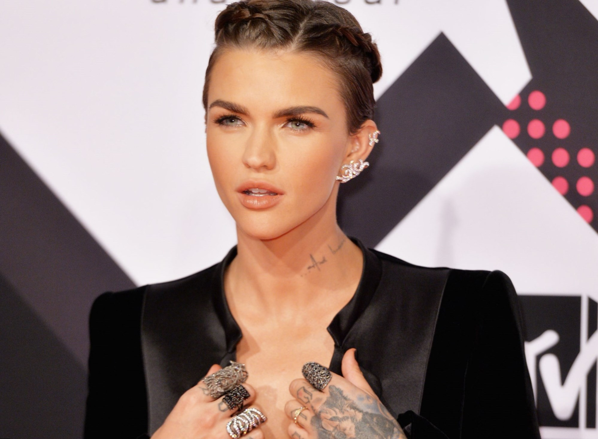 ruby rose celebrity hair changes. really?