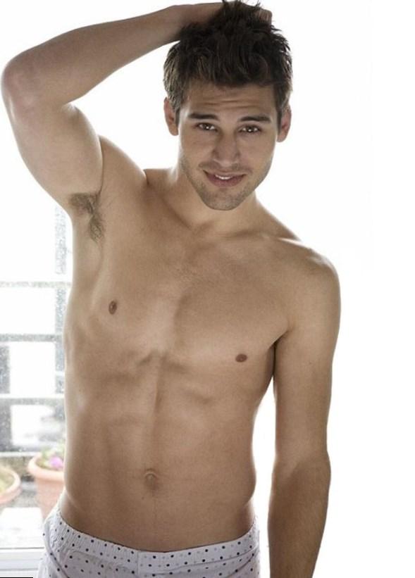 Ryan Guzman height, weight, age