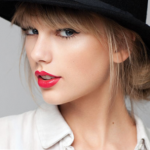 Taylor Swift – Celebrity Style