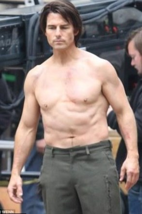Tom Cruise weight, hei... Tom Cruise Age