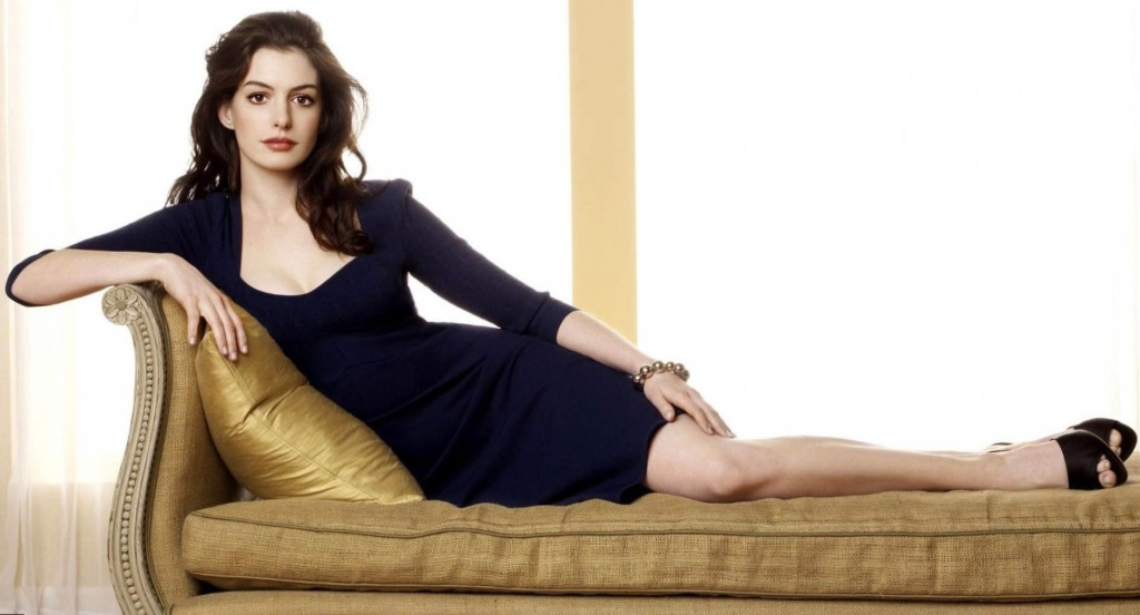 Anne Hathaway Height, Weight, Age