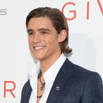 Brenton Thwaites – Height, Weight, Age