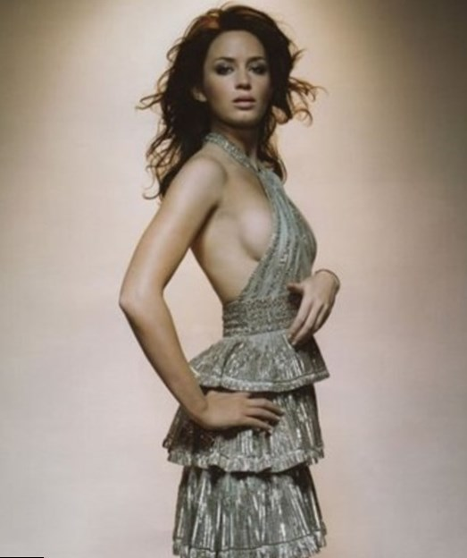 Emily Blunt weight, height and age. Body measurements!