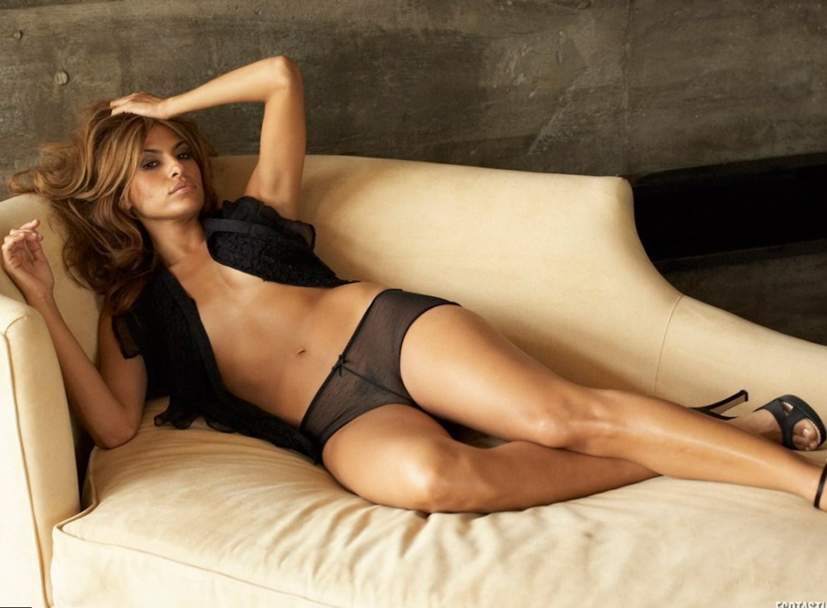 eva mendez weight height and age we know it all. Black Bedroom Furniture Sets. Home Design Ideas