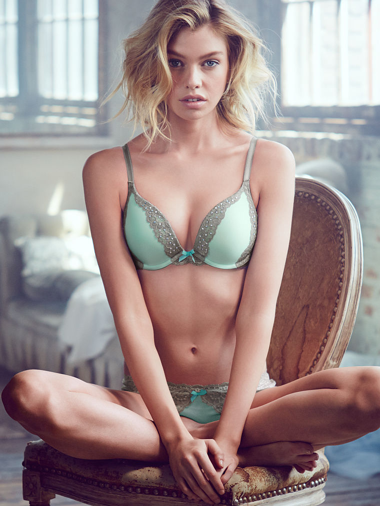 Stella Maxwell Height, Weight, Age