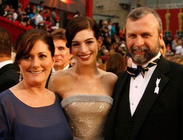 Anne Hathaway  Parents