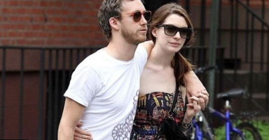 Anne Hathaway with Husband