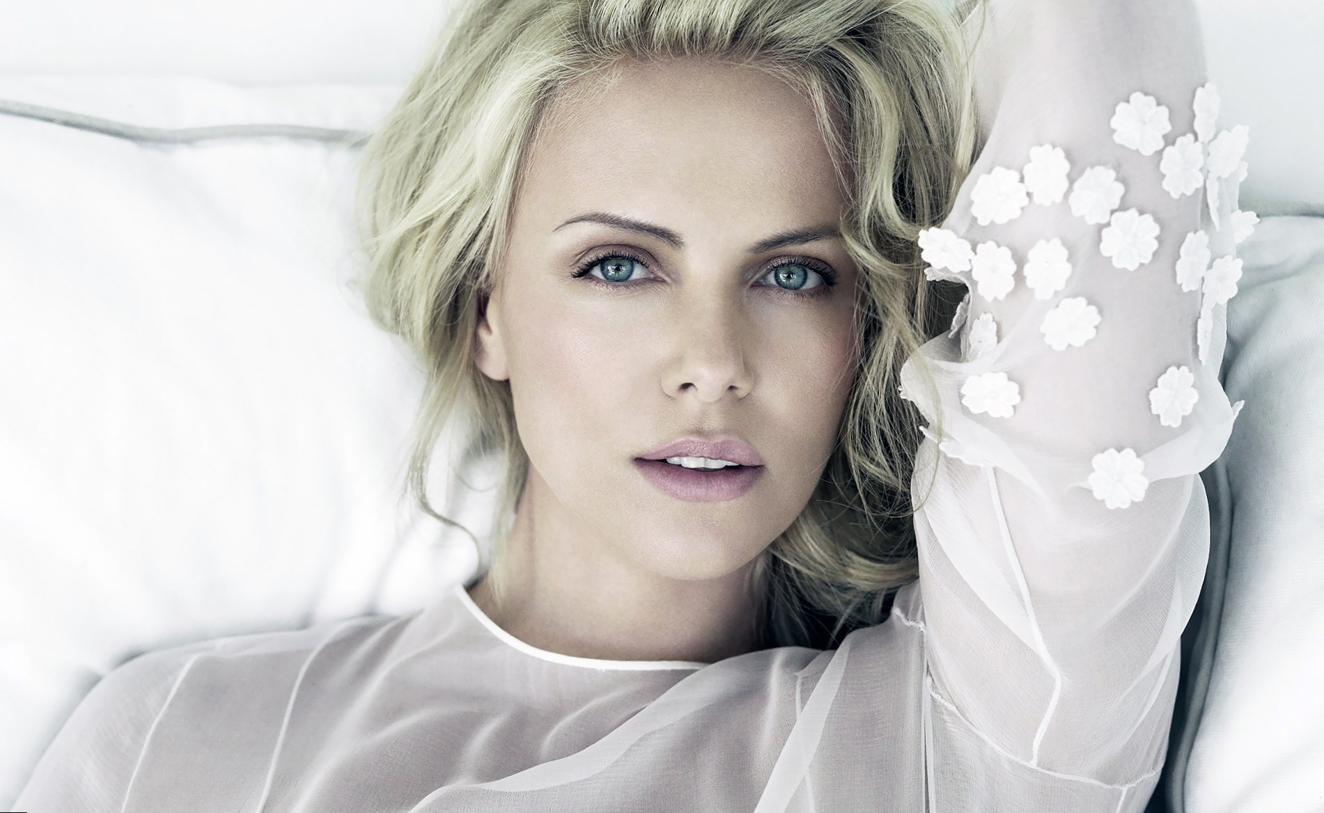 charlize-theron-family-7.jpg