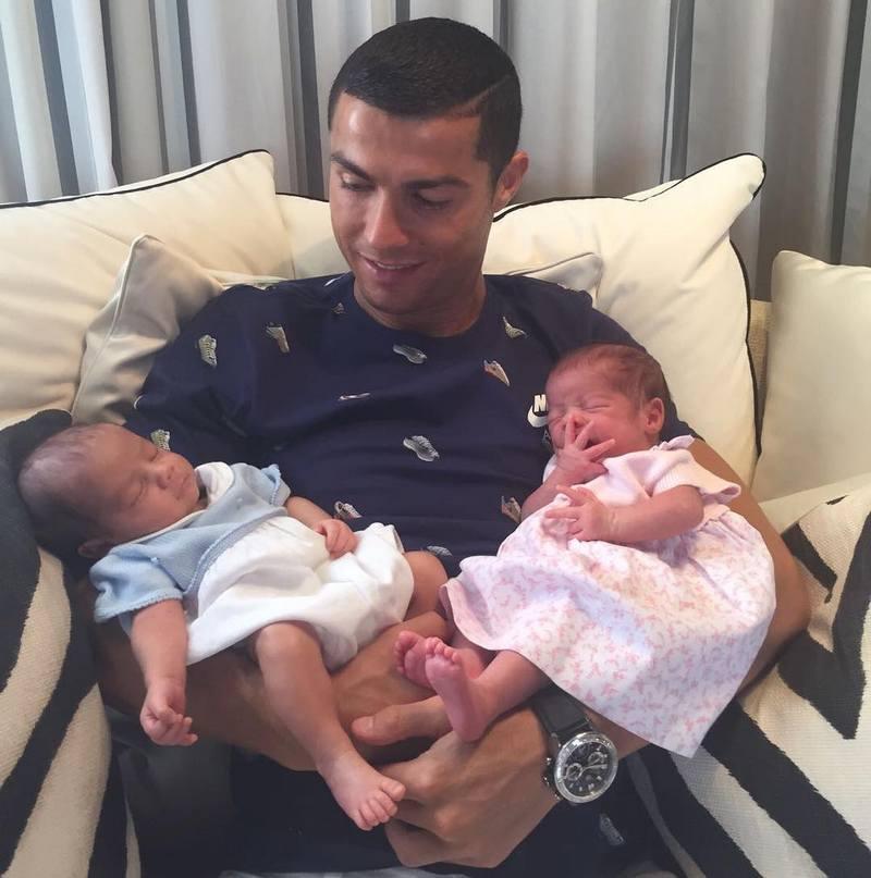 Cristiano Ronaldo children - twins