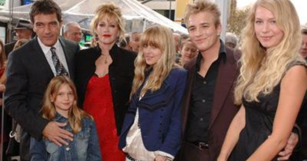 Dakota Johnson Family