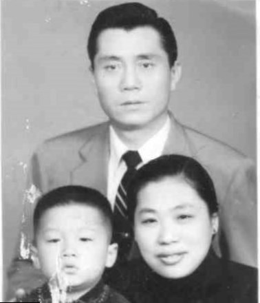 jackie chan and his family - photo #30