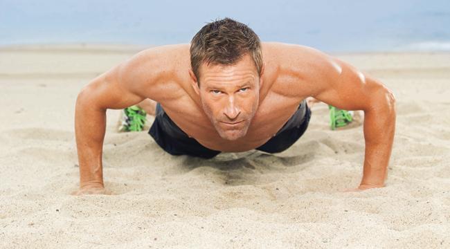 Aaron Eckhart Weight