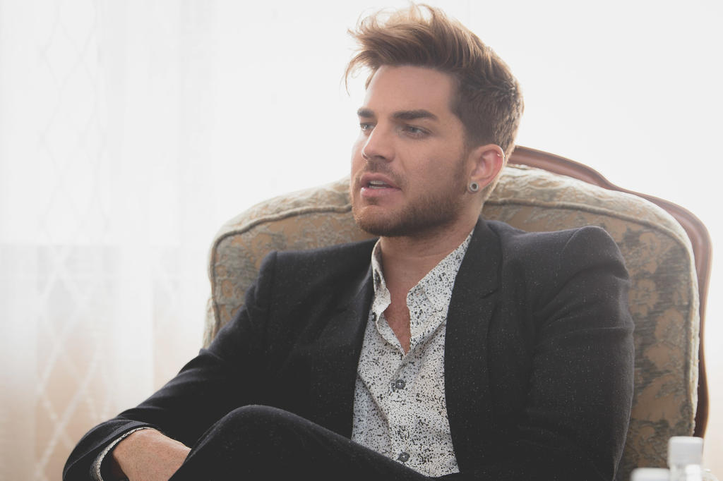 Adam Lambert weight, height and age. Body measurements!