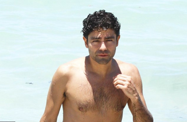 Adrian Grenier Body measurement
