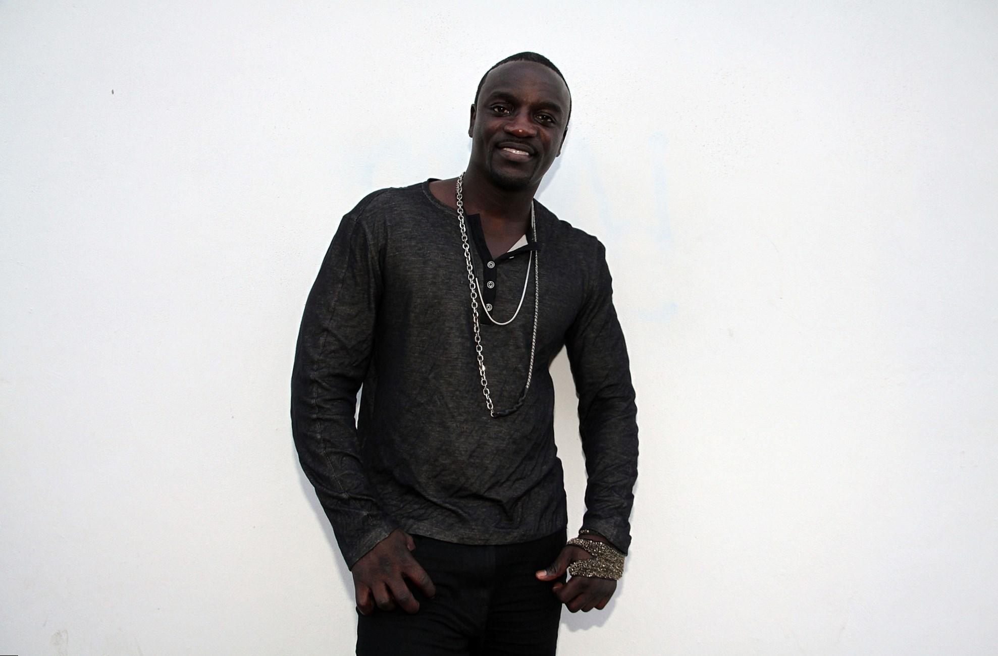 Akon Body Measurement