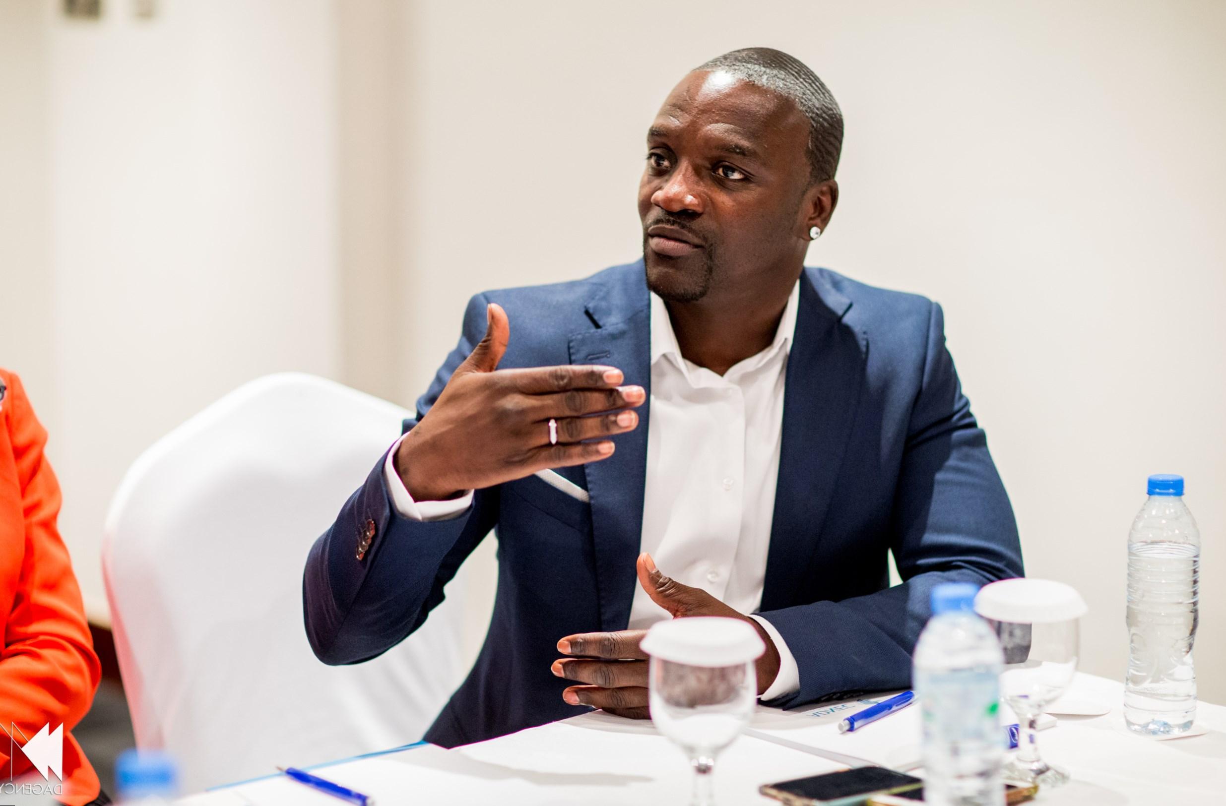 Akon Weight