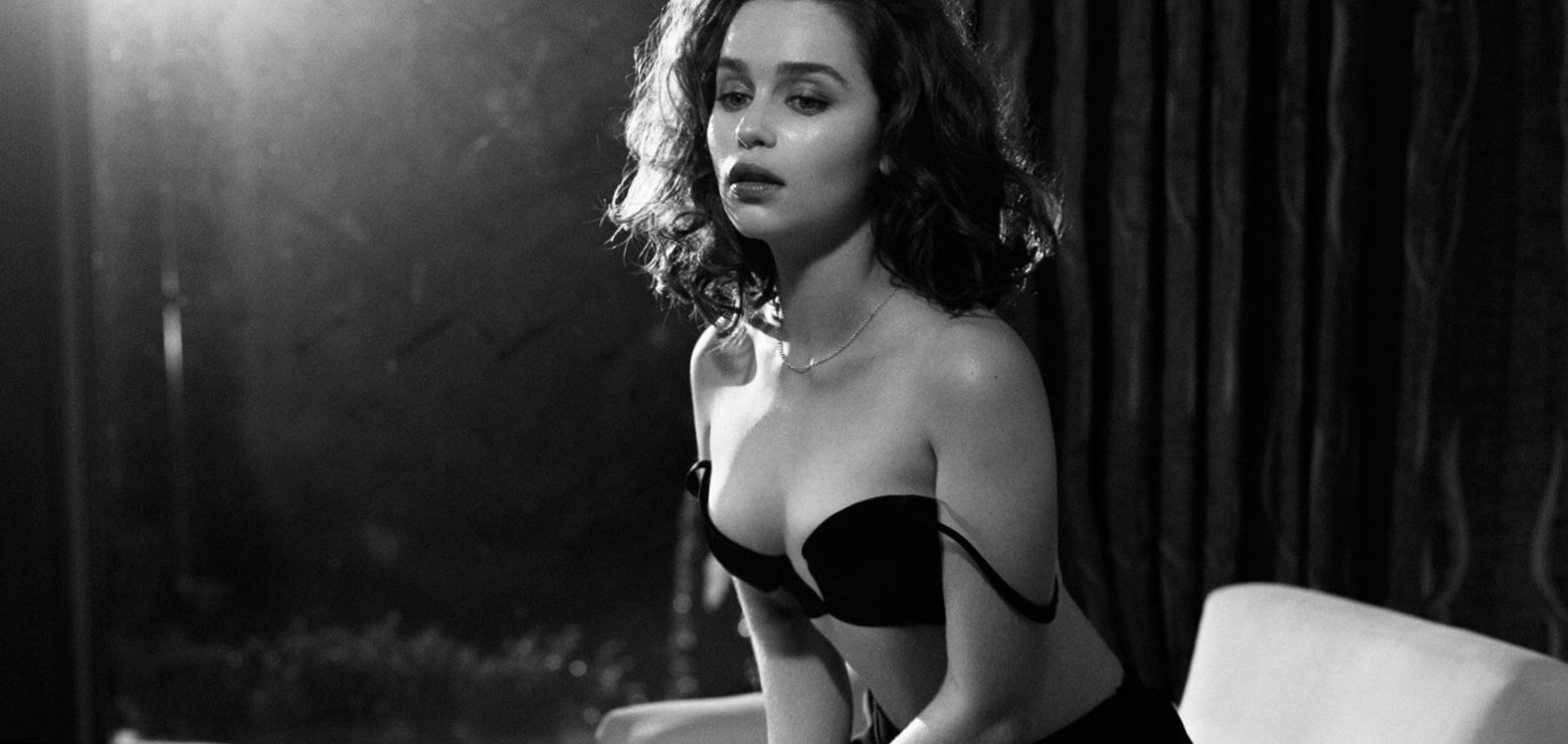 Emilia Clarke Body Measurement