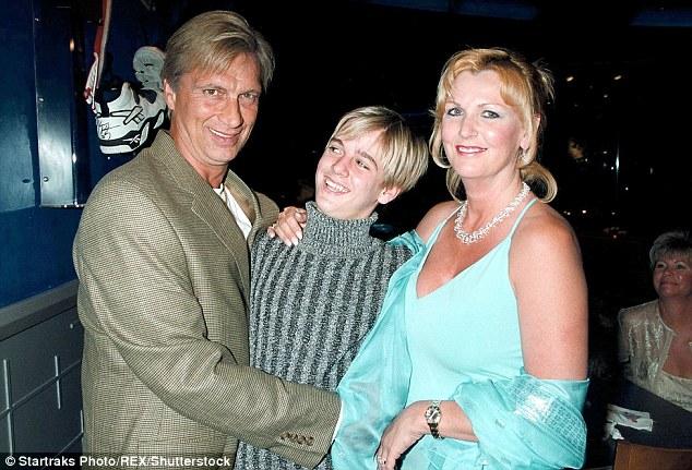 Robert Gene Carter (father), Jane Carter (mother)