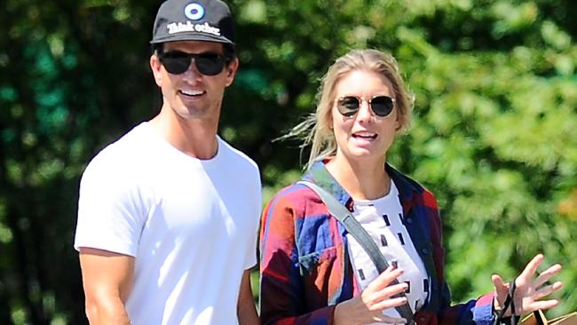 Adam Scott family: siblings, parents, children, wife