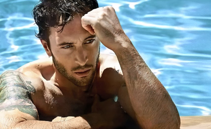 Alex O Loughlin Body Measurement