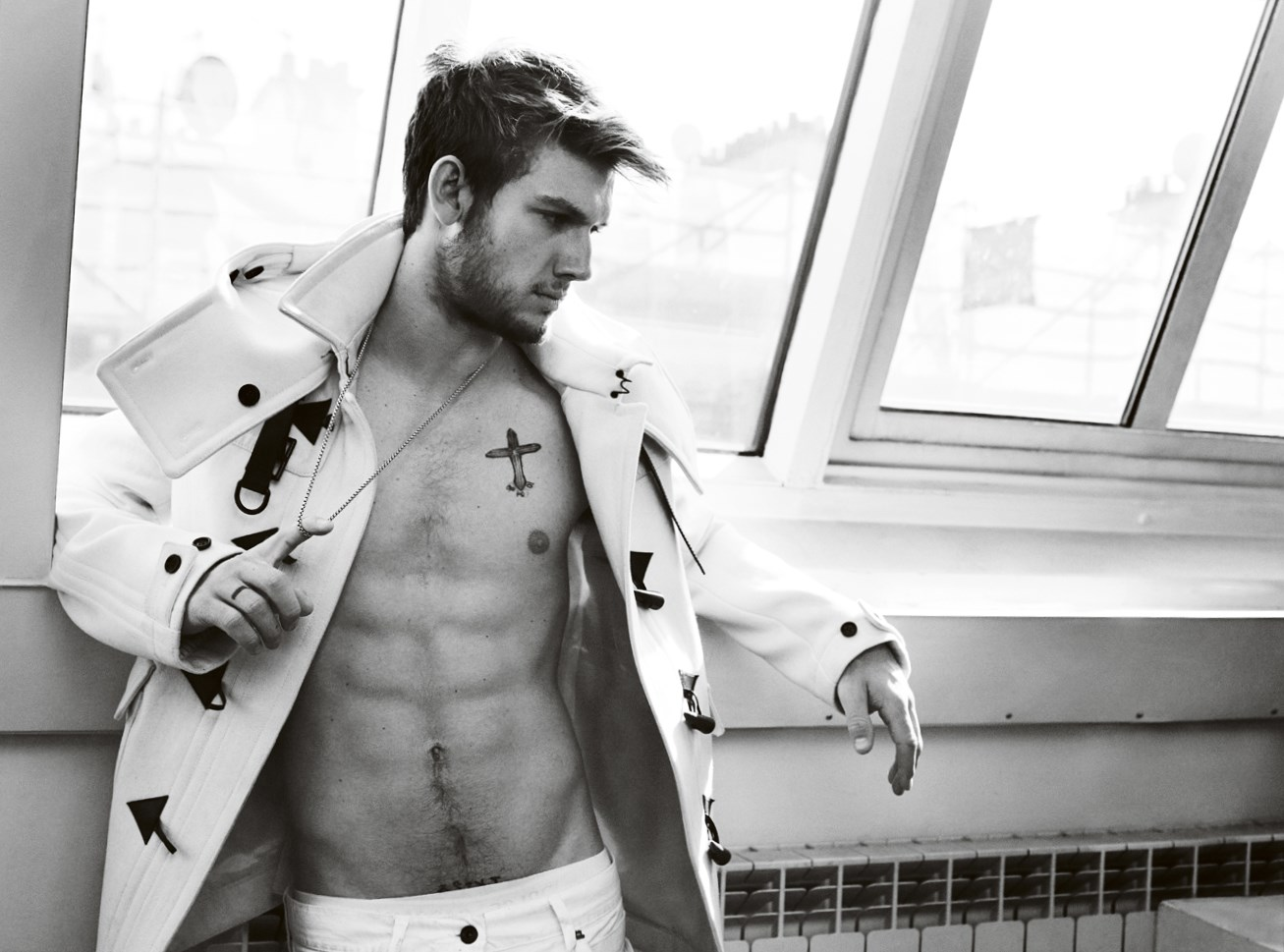 Alex Pettyfer Weight