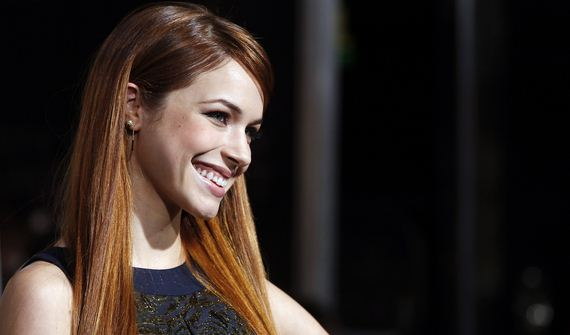 alexis-knapp-height-weight-age-1