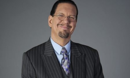 Penn Jillette's eyes and hair color