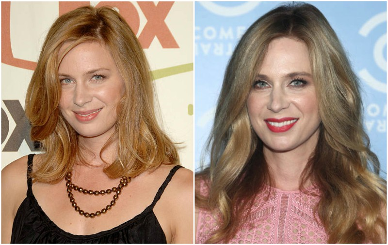 Anne Dudek's eyes and hair color