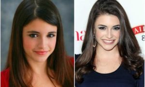 Daniela Bobadilla's eyes and hair color