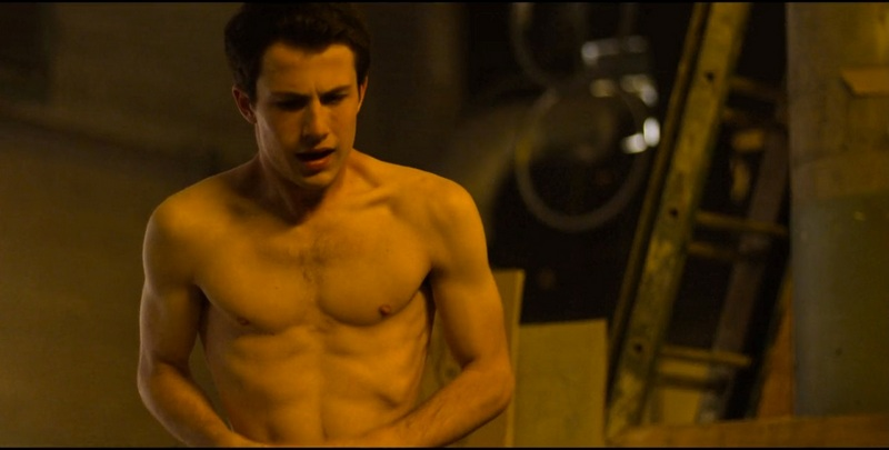 Dylan Minnette's height, weight and body measurements