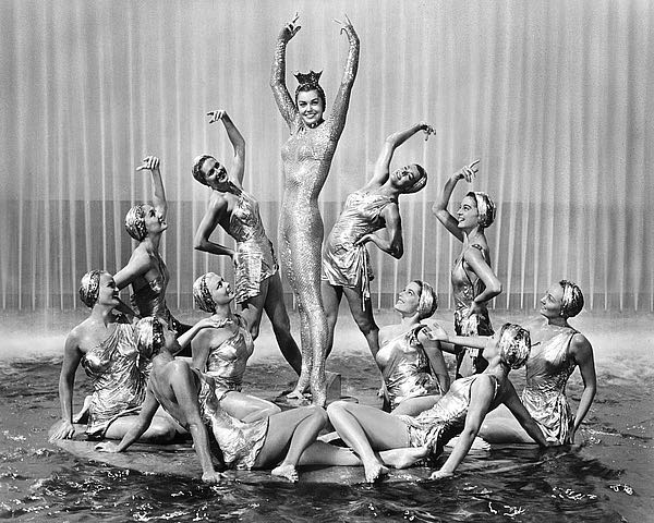 Esther Williams' height, weight and body measurements