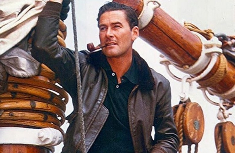 Errol Flynn's height, weight and body measurements