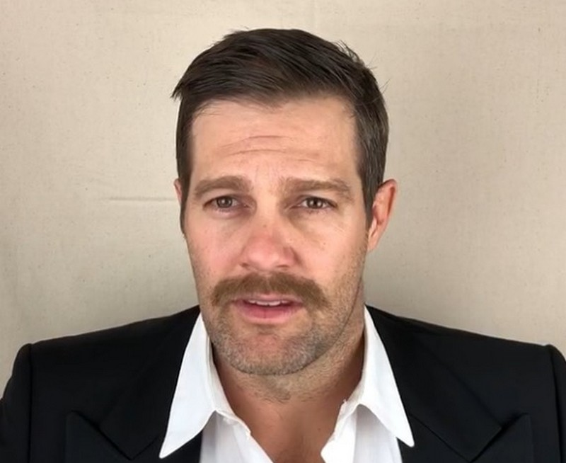 Geoff Stults' eyes and hair color